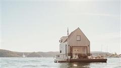 Biệt thự nổi dành cho 2 người, giá 1.100 USD mỗi đêm và sử dụng hoàn toàn năng lượng mặt trời - Bạn có muốn thuê?