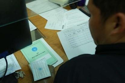 Nhiều đối tượng mua bán sổ bảo hiểm của người lao động với giá rẻ để trục lợi