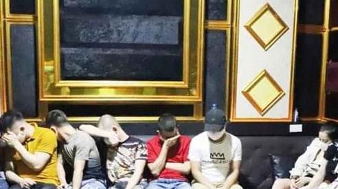 24 nam nữ tổ chức 'bay lắc' trong quán karaoke