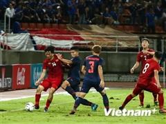Huyền thoại Thái Lan tính kế giúp đội nhà bám sau Việt Nam để đi tiếp