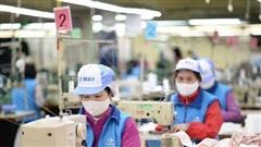 Công ty PouYuen cho 6.000 công nhân tạm ngừng việc, dự báo có 328.000 người lao động nghỉ việc trong 6 tháng cuối năm