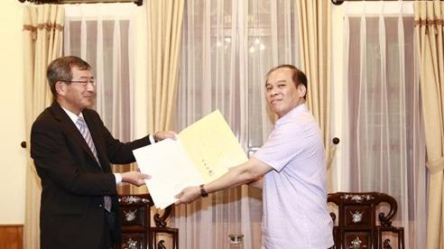 Lễ trao Giấy chấp nhận lãnh sự cho Tổng Lãnh sự Nhật Bản tại TP. Hồ Chí Minh