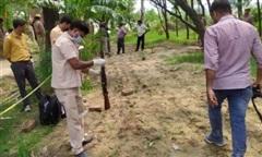 Truy bắt tên tội phạm khét tiếng có 60 tiền án, 15 cảnh sát Ấn Độ thương vong
