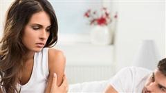 Bố vợ bệnh nặng, chồng tôi cho vay tiền nhưng có một loạt điều kiện buộc tôi đưa đơn ly hôn ngay lập tức
