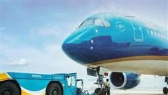 Xe kéo gẫy chốt khi di chuyển tàu bay, đường băng ở sân bay Nội Bài phải đóng cửa 17 phút
