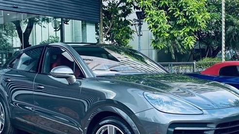Dân chơi Hòa Bình chi hẳn 1,5 tỷ đồng để mua 'option' cho chiếc Porsche Cayenne S Coupe