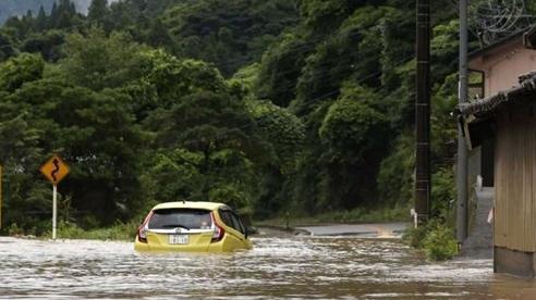 Nhật Bản: Mưa lớn chưa từng có khiến nước sông tràn bờ, 14 người thiệt mạng