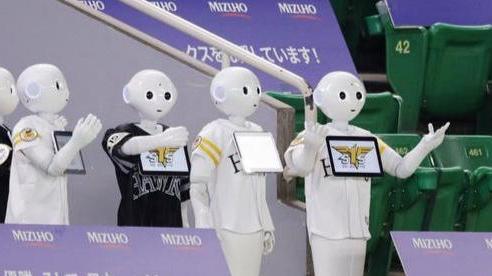Điều kì lạ trong những trận bóng chày ở Nhật Bản mùa COVID-19