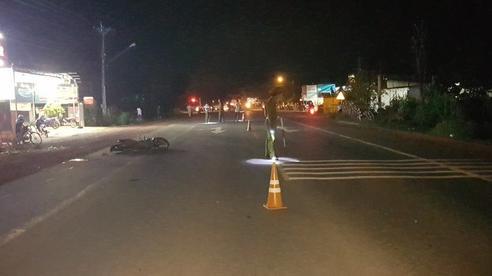 'Ma men' lái xe máy tông người đi bộ, 3 người tử vong