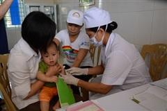 Đẩy mạnh công tác tiêm chủng để bảo vệ thành quả đã đạt được
