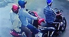 Giả thân nhân lấy trộm xe máy người bị nạn