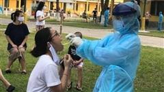 14 ca nghi nhiễm COVID-19 trong khu cách ly ở Thanh Hóa được chuyển ra Bệnh viện Nhiệt đới Trung ương