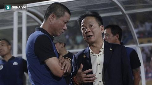 Cha con bầu Hiển gặp riêng BHL Hà Nội FC và trưởng ban trọng tài sau trận hòa tiếc nuối