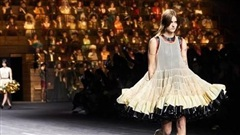 Paris (Pháp) tổ chức tuần lễ thời trang mà không có báo chí và khách mời