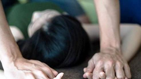 Mẹ tri hô hàng xóm bắt quả tang 'yêu râu xanh' 60 tuổi hiếp dâm con gái
