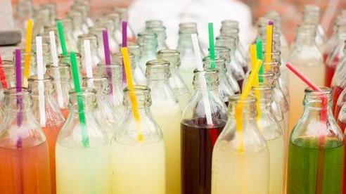 3 loại nước thuộc 'danh sách đen' gây ung thư, trong đó có 2 loại đã được WHO lên tiếng cảnh báo: Đều quen thuộc, dễ kiếm và là đồ uống yêu thích của nhiều người