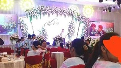 Lễ tổng kết sang chảnh như tiệc cưới của các cô cậu học trò khiến CĐM 'dở khóc dở cười'