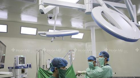 Cô gái 21 tuổi tưởng đang mang thai, hóa ra mang khối u 'khủng'