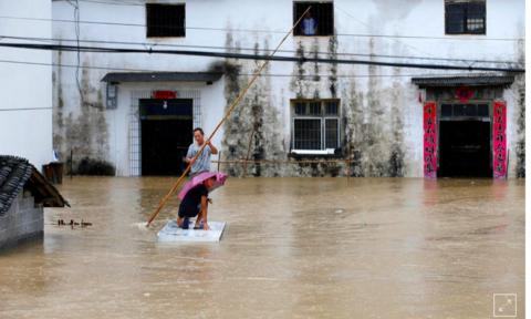 Trung Quốc nâng mức khẩn cấp đối phó với mưa lũ