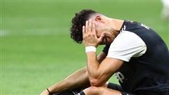 Man United tiến sát vé dự Champions League; Ronaldo thua muối mặt trong 'đại chiến' với Ibra