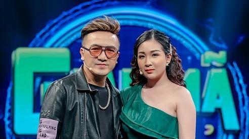 Dương Ngọc Thái trân trọng sự hy sinh và xin lỗi vợ kém 12 tuổi