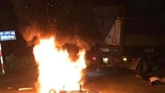 Điều tra vụ nam thanh niên bất ngờ bị chặn đường, đổ xăng lên người đốt