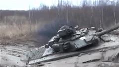 Xe tăng Việt Nam lăn mấy chục vòng xuống vực và cái kết không ngờ: Chuyện hy hữu