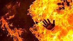 Nam thanh niên bị chặn đường, đổ xăng lên người đốt trên đường đi làm về
