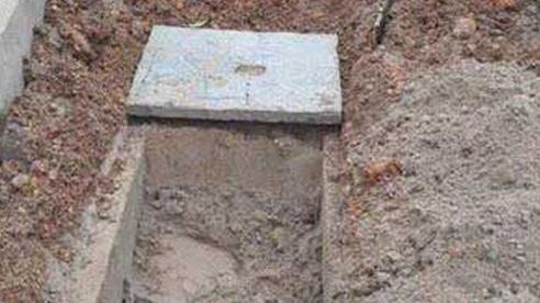 Truy bắt kẻ đào mộ người nhà 'con nợ' vì … không trả tiền vay