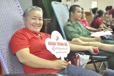 Hành trình Đỏ 2020 đã tiếp nhận được 12.000 đơn vị máu