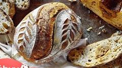 Giải mã sức hút của chiếc bánh mì bột chua xịn sò, làm mất 5 ngày liền mà hội chị em yêu bếp vẫn thi nhau thử sức