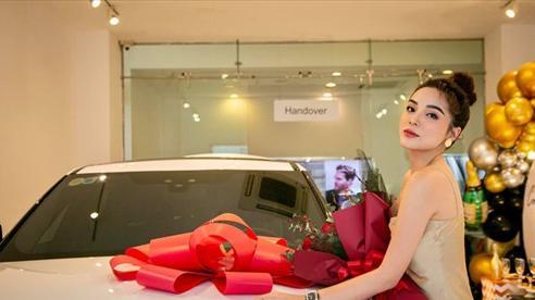 Hoa hậu Kỳ Duyên tậu thêm siêu xe 5 tỷ đồng, sở hữu gia tài bạc tỷ ở tuổi 25