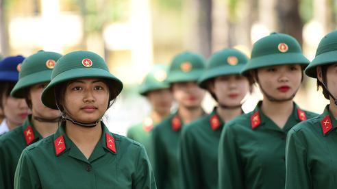 Công dân dưới 35 tuổi có thể được tuyển chọn trở thành sĩ quan dự bị