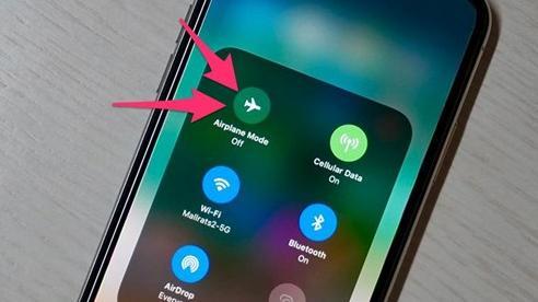 3 tác dụng 'thần thánh' của chế độ máy bay trên smartphone ít người biết