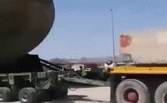 Tàu ngầm Kilo khổng lồ của Iran được vận chuyển bằng xe tải: Chuyện cực kỳ hiếm gặp!