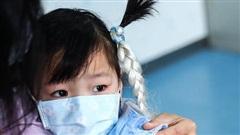Bệnh bạch hầu 'hoành hành', Bộ trưởng Giáo dục chỉ đạo tăng cường công tác phòng, chống bệnh trong trường học