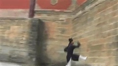 Báo Trung Quốc: 'Chưởng môn Võ Đang giống như người từ trên trời rơi xuống!'