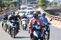 Nắng nóng gay gắt tiếp tục kéo dài từ Bắc Bộ đến Phú Yên