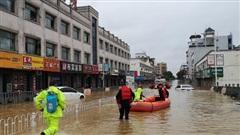 'Cơn ác mộng' mưa lũ đeo bám Trung Quốc