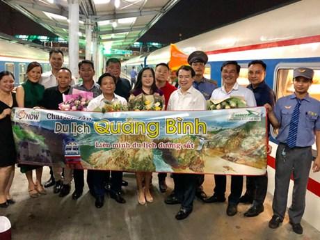 Thuê nguyên chuyến tàu hỏa Hà Nội-Quảng Bình: Sản phẩm du lịch độc đáo