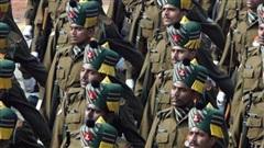 Quân đội Ấn Độ yêu cầu binh lính xóa 89 ứng dụng bao gồm cả Facebook và Tinder