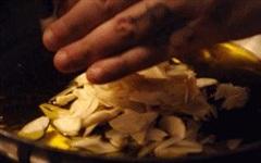 Tỏi chứa vô vàn lợi ích nhưng có 3 điều 'tối kỵ' cần lưu ý tránh khi ăn