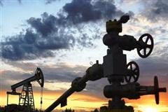 Chuyên gia nói gì về 'dự báo vô lý' trên thị trường dầu mỏ