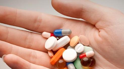 Uống cùng lúc kháng sinh và thuốc tránh thai có bị vỡ kế hoạch?