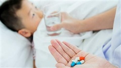 Những lưu ý khi sử dụng thuốc trị táo bón cho bé