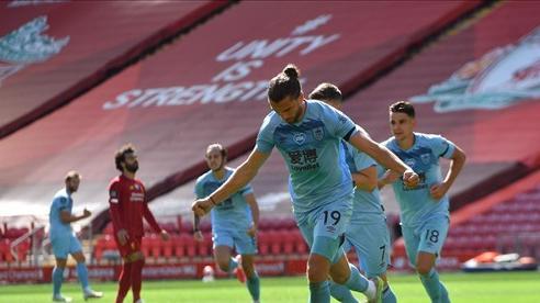 Liverpool mất uy, Burnley phòng thủ quá 'đỉnh'