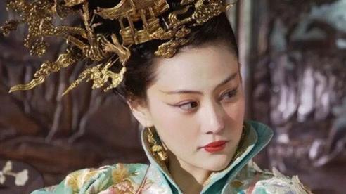 Vì đặc điểm hiếm có trên cơ thể, vị Quý phi khiến Hoàng đế ham mê chiều chuộng tới mức 'khom lưng cúi đầu', làm những điều vô tiền khoáng hậu trong lịch sử