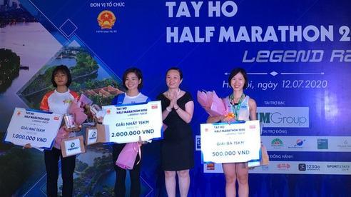 Nhà vô địch SEA Games Nguyễn Thị Oanh 'vô đối' ở Giải Tay Ho Half Marathon 2020