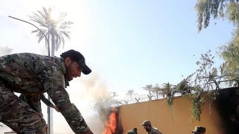Phái đoàn quân sự Mỹ ở Iraq bất ngờ bị tấn công và thiêu rụi trong đêm