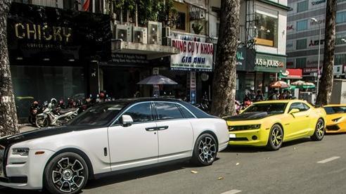 Dàn xe sang hội ngộ tại Sài Gòn cuối tuần: Rolls-Royce Ghost có ngoại hình đặc biệt gây chú ý